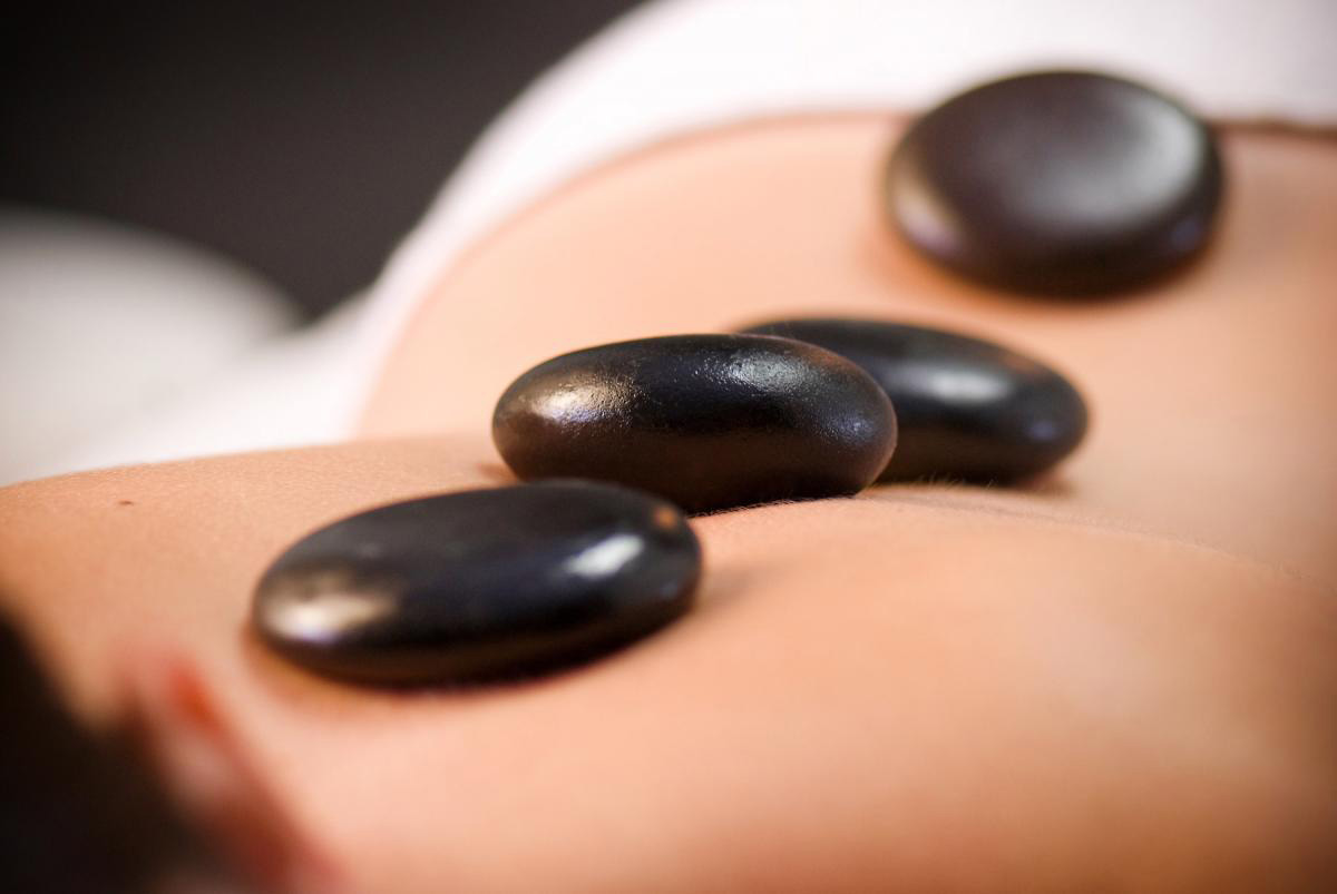 inside-out-kapellen-body-hotstone-massage