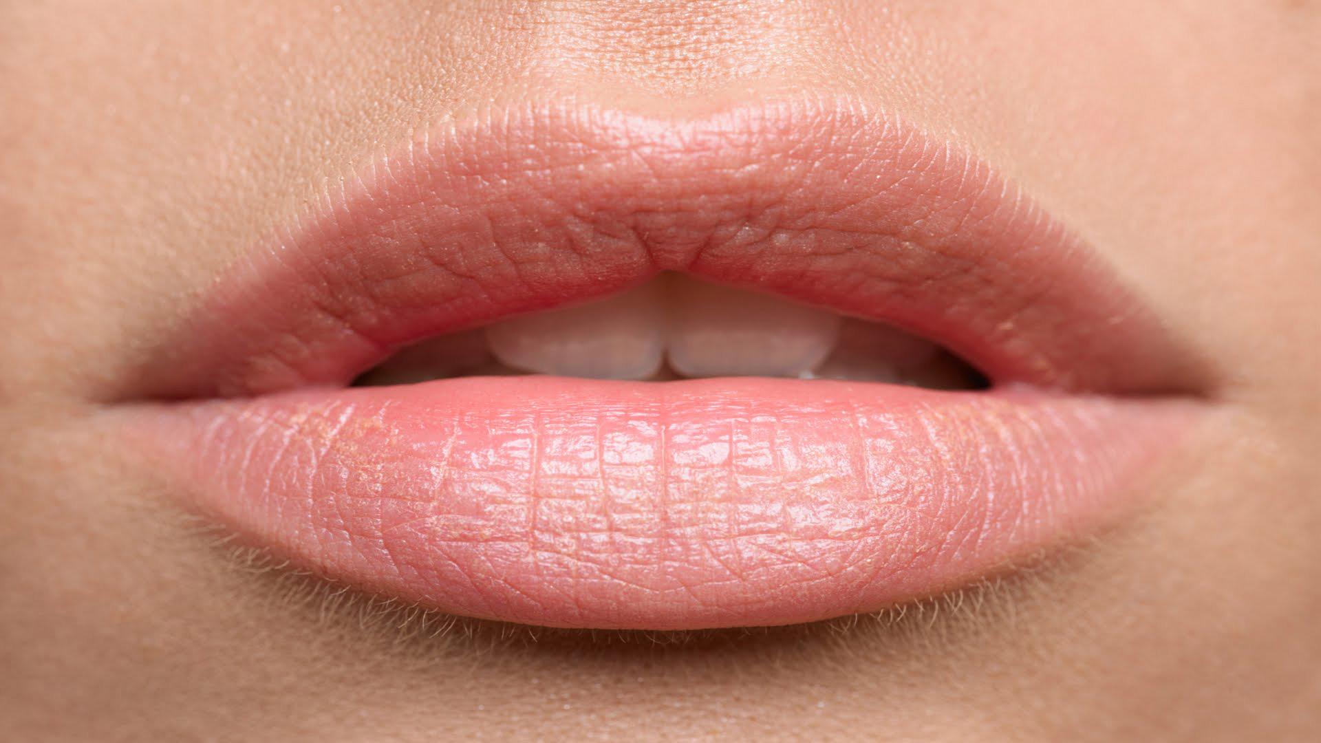 inside-out-kapellen-permanente-make-up-full-lips